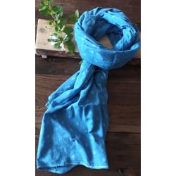 Écharpe damassée bleu de Pastel